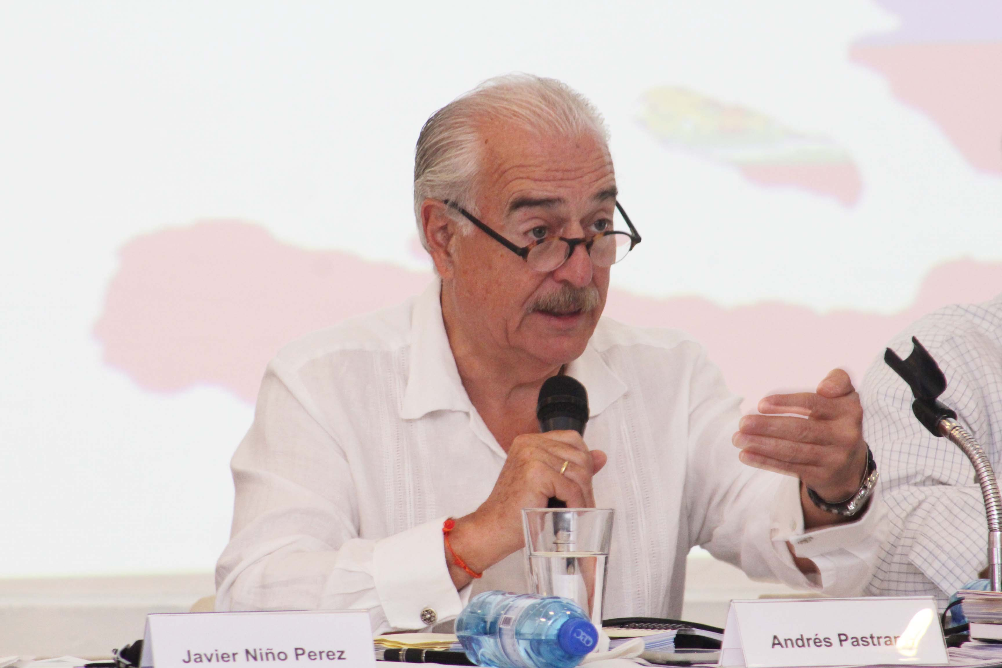 Andrés Pastrana shares his experience on peace negotiations in Myanmar