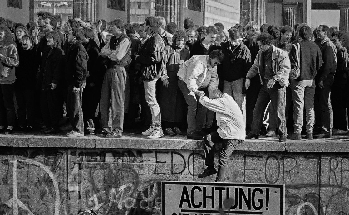 Club de Madrid commemorates 30 years since the fall of the Berlin Wall analyzing the current state of democracy
