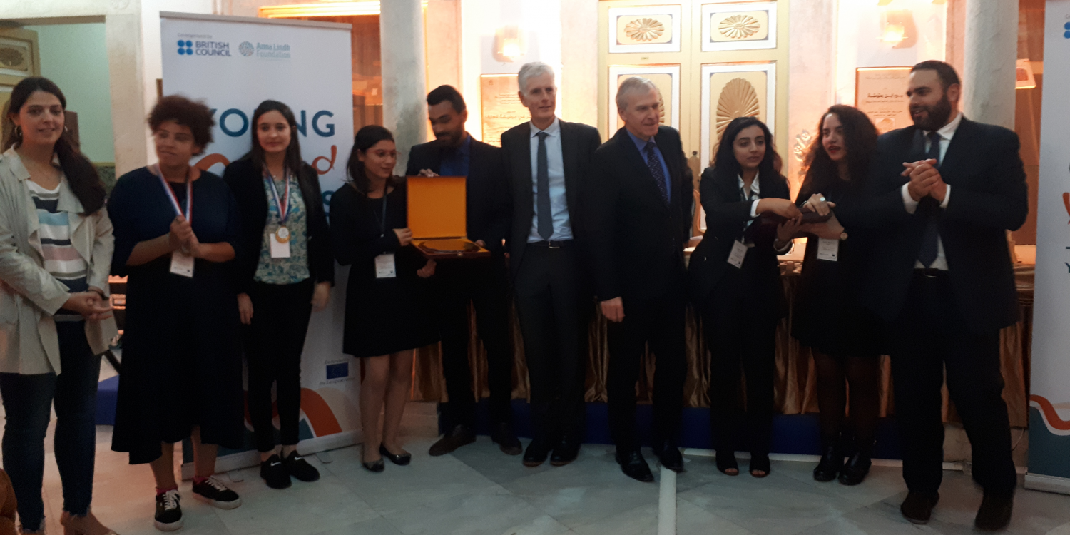 Leterme moderates debate with young people seeking to shape policymaking in Med region